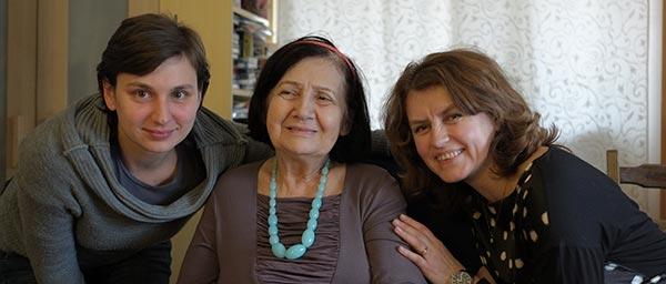 קטרז'ינה מלוך-ג'קל מקבלת סיוע ממשרד הרווחה היהודי בפולין. צילום: פיוטר קולייביץ '