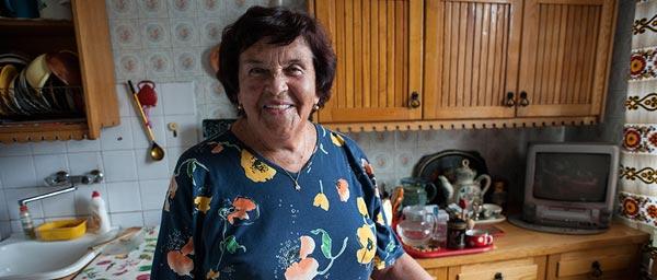 ליליה ברחה מגטו מינסק כילדה. כיום היא מקבלת שירותים מהג'וינט בווילנה באמצעות מענק מטעם ועידת התביעות.